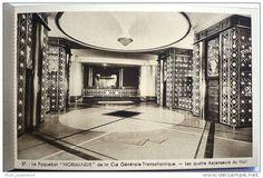 Le grand hall du Normandie avec ses ascenseurs