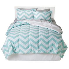 Finish the look you're after in seconds with the Room Essentials Chevron Bed in a Bag. This Bed in a Bag set includes everything you need to deck your bed out from top to bottom. You'll get a chevron print comforter and pillow sham in white and teal as well as sheets, pillowcase and bed skirt in a coordinating shade. Shopping for bedding has never been this simple. Let the experts do the work while you enjoy the results.