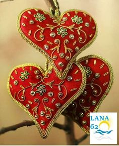 View these India Crafts For Holiday & Christmas Decorations. India Crafts For Holiday & Christmas Decorations are unique crafts projects for holiday decorations, christmas decorations etc. Felt Christmas, Christmas Holidays, Christmas Decorations, Christmas Ornaments, Family Holiday, Valentines Day Hearts, Valentine Heart, India Crafts, Fabric Hearts