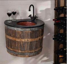 Suporte de pia para lavabo feito de barril de madeira