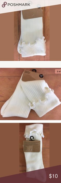Urban Outfitters Knee High Socks Ivory Ruffle Urban Outfitters Knee High Socks  Ivory  Ruffle  Sz 9-11 Urban Outfitters Accessories Hosiery & Socks
