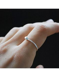 4bfa93fc1c23  artesanía  joyeríadeautor  joyeríaartesanal  joyeríacreativa  minimal   minimalista  minimalist  anillo  anilloplata  anillochica  handmade   madeinspain ...
