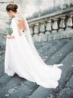 Tuscan goddess wedding editorial by Peaches & Mint, styling Comme Soie, dress Twobirds, Cape Gibson Bespoke