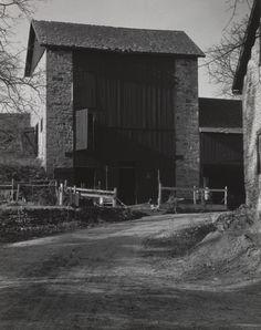 Charles Sheeler. Bucks County Barn. 1914-17