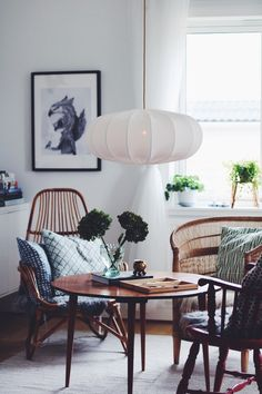 Salle à manger Lampverket unika lampor & lampskärmar Taklampa ECO off white 60 cm Style At Home, Chair Design, Furniture Design, Scandinavian Interior Design, Scandinavian Style, Home And Deco, Home Fashion, Interiores Design, Home Living Room