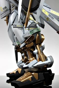 PG Gundam Astray [Gold Frame] - Customized Build Modeled by Suny Buny Astray Red Frame, Gundam Astray, Gundam Custom Build, Image Model, Medieval Armor, Gundam Model, Model Building, Universe, Gold