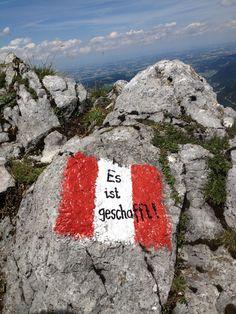 it's done in the Austrian mountains! Motivation am Gipfel nach anstrengendem Anstieg :) Berge & Wandern via servustv.com