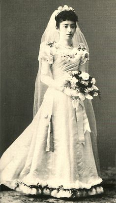 Japanese Imperial family's antique photograph.   Wife of the Yorihito Imperial prince, Kaneko.   Kaneko is a daughter of the Duke of Tomomi Iwakura.  1898 Meiji-era.
