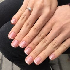 sns healthy natural nails colors - - 5 practical ways to apply nail polish without errors Es ist fast eine Prüfung, N Short French Nails, French Tip Acrylic Nails, Natural Acrylic Nails, French Manicure Nails, Sns Nails, Acrylic Nail Designs, Manicure And Pedicure, Short Natural Nails, Natural French Manicure