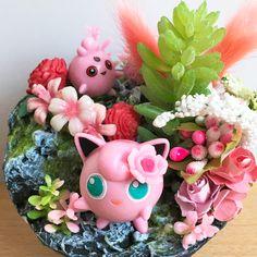Jigglypuff and its child chilling in the garden _______________#Jigglypuff #Pummeluff #pinkPokemon #PokemonDiorama #sharkSnail Chilling, Planter Pots, Child, Etsy, Garden, Dioramas, Pokemon Images, Miniature, Craft Gifts