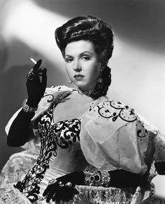 """screengoddess: Ann Miller 1945 - Photo by Joe Walters """"Eadie Was A Lady"""" Hollywood Stars, Hollywood Icons, Hollywood Fashion, Hollywood Actor, Golden Age Of Hollywood, Vintage Hollywood, Classic Hollywood, Hollywood Divas, Hollywood Boulevard"""