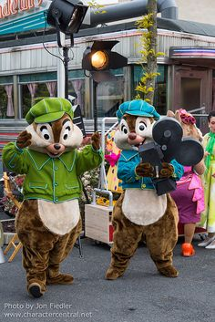 Chip and Dale - Roger Rabbit's Toontown Dream