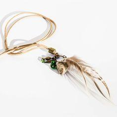 Collar boho con plumas y Jaspe www.lauritalacomplementos.com