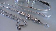 Eyeglass Steel neck holder/Catenina gioiello per occhiali/Cordino acciaio e strass/Catenina per occhiali con strass/Collana Keeper di Athiss su Etsy