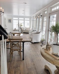 42 Unusual Traditional Dining Room Design Ideas That Looks Elegant New Homes, Dining Room Design, House Interior, Farmhouse Dining, Home, Interior, Sunroom Designs, French Farmhouse Decor, Home Decor