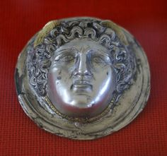 Mainz, RGZM, römischer Orden, Medusa (Roman medal, Medusa)
