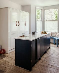 Skye Gyngell Kitchen By British Standard Carrara Marble Countertop And Back Splash Farrow Ball Hague Blue Cabinets Photography Alexis Hamilton