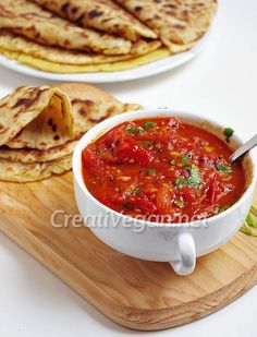 Chutney de tomate. #receta #vegana Vegetarian Recipes Easy, Clean Recipes, Veggie Recipes, Mexican Food Recipes, Diet Recipes, Healthy Recipes, Ethnic Recipes, Sauces, Tomato Chutney