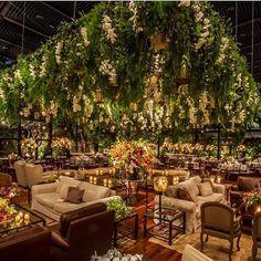 Hoje tem casamento lindo no site da @constancezahn !!!! Muito obrigado, adorei www.constancezahn.com