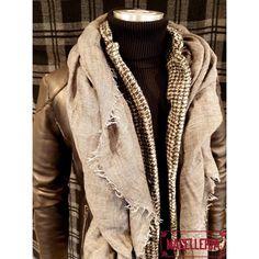 ComposizioneA/I '17 • #autunno #autumn #inverno #winter #giubbino #pelle #giubbinodipelle #jacket #leather #leatherjacket #ceralacca #sciarpa #scarf #roselli #giacca #bellwood #maglione #colloalto #sweater #turtleneck #stoneisland • #macelleria #mestre