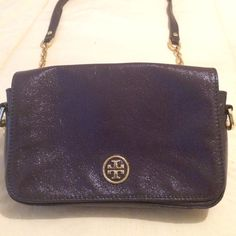 Purple patten leather Tory burch shoulder bag. Purple patten leather Tory burch shoulder bag. On great condition. Has outside pocket as well. (((Tory burch))) Tory Burch Bags Shoulder Bags