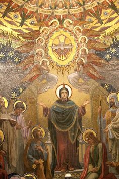 The Madonna. Queen of Heaven. Religious Images, Religious Icons, Religious Art, Christian Mysticism, Christian Artwork, Religion Catolica, Saint Esprit, Queen Of Heaven, Mama Mary