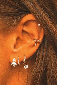 Piercing Face, Pretty Ear Piercings, Ear Peircings, Ear Jewelry, Cute Jewelry, Body Jewelry, Jewelery, Jewelry Accessories, Ear Piercing Combinations