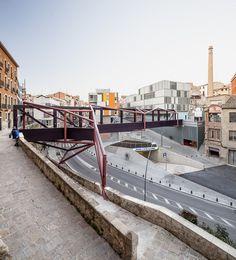 Edifício Multifamiliar / Lola Domenech