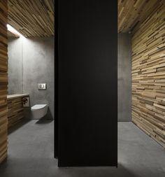 Renova All Public Restroom by Miguel Vieira Baptista - News - Frameweb Visual Merchandising, Restaurant Design, Restaurant Bar, Wc Design, Store Design, Timber Slats, Wood Lumber, Restroom Design, Public Bathrooms