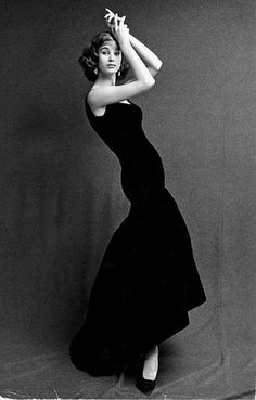 Fashion photo by Swedish photographer Rolf Winquist, 1957