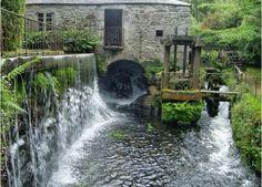 Finca Galea, Alfoz. Lugo Old Bridges, Covered Bridges, Windmill, Romania, Waterfall, Spain, To Go, Rustic, Roots