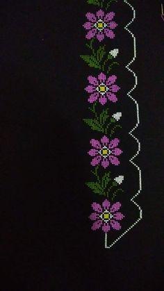 Cross Stitch Borders, Cross Stitch Designs, Crochet Bedspread, Filet Crochet, Baby Knitting Patterns, Diy And Crafts, Flowers, Wedding Cross Stitch, Hand Stitching
