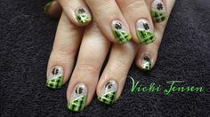 St. Patrick's Day plaid nails!