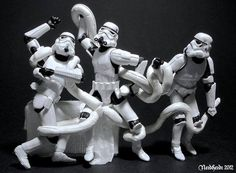 Star Wars Stormtroopers recreate Laocoön and His Sons