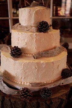 Rustic wedding cake idea    pine cones    birch  Keywords: #rusticweddingcakeidea #jevel #jevelweddingplanning Follow Us: www.jevelweddingplanning.com www.pinterest.com/jevelwedding/ www.facebook.com/jevelweddingplanning/