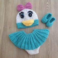 Daisy Duck outfit! Great for your newborn's pictures!