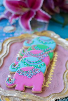 Adorable elephant cookies from Bollywood Inspired Birthday Party Moroccan Party, Indian Party, Elephant Party, Elephant Birthday, Bollywood Cake, Bollywood Fashion, Jasmin Party, Aladdin Party, Aladdin Cake
