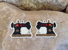 Sewing Machine Beaded Earrings by DoubleACreations on Etsy Brick Stitch Earrings, Seed Bead Earrings, Beaded Earrings, Etsy Earrings, Hoop Earrings, Art Perle, Halloween Beads, Bead Sewing, Beading Techniques