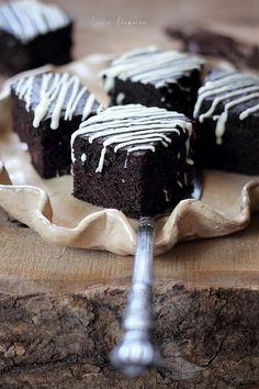Cake Recipes, Dessert Recipes, Desserts, Dessert Ideas, Romanian Food, Sweets Cake, Food Cakes, Raw Vegan, Biscotti