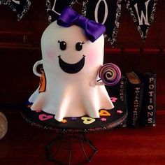 Pin for Later: These Jaw-Dropping Cakes Are the Ultimate Halloween Treat