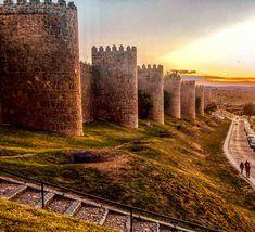 QUE-VER-EN-AVILA-TOURS-Y-VISITAS-GUIADAS Vintage Menu, Madrid, Medieval, Tours, Beautiful Places, Spain, Country Roads, Europe, History