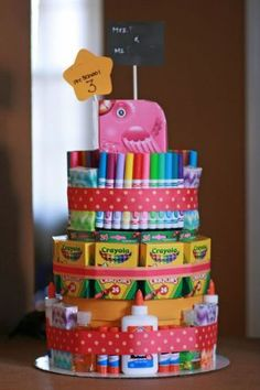 Art themed cake tower with arts and crafts | Moushii blog