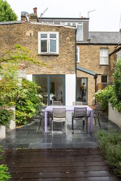 Side return extensions can be the perfect solution for turning poorly laid out, rarely used, dark rooms into bright, open plan spaces. Here's what you should know before planning a side return extension Building Extension, House Extension Design, Extension Designs, Extension Ideas, Extension Google, Single Storey Extension, Side Return Extension, Victorian Terrace, Victorian Homes