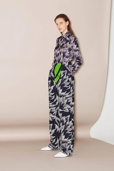 Victoria Victoria Beckham Pre-Fall 2018 Collection Photos - Vogue