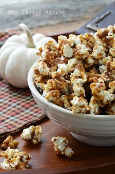 Butterbeer Popcorn {Inspired by Harry Potter}