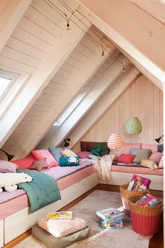 Do you have an attic in your house? You can decorate your attic however you like and create … Soho Loft, Small Home Offices, Portia De Rossi, Attic Bedrooms, Attic Renovation, Attic Spaces, Bonus Rooms, Decoration, Kids Room