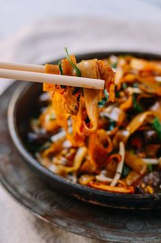 Char Kway Teow Malaysian Rice Noodle Stir-fry Char Kway Teow Malaysian Stir-fried Rice Noodles, by t Malaysian Cuisine, Malaysian Food, Malaysian Recipes, Most Popular Recipes, Favorite Recipes, Asian Recipes, Ethnic Recipes, Asian Desserts, Chinese Desserts