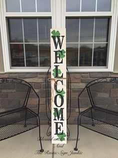 St Patrick's Day decor, Rustic welcome signs, Welcome porch signs, Front porch decor, Rustic welcome – Green Clover Wooden Welcome Signs, Porch Welcome Sign, Wooden Signs, Rustic Signs, Rustic Wood, Rustic Decor, Barn Wood, St Pattys, St Patricks Day