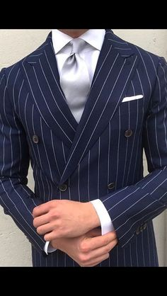 Navy Blue Striped Suits For Men Wedding Casual Dinner Party 2 Pieces Prom Custom Gentleman Mode, Gentleman Style, Mens Fashion Suits, Mens Suits, Navy Blue Striped Suit, Blue Stripes, Pinstripe Suit, Herren Outfit, Dapper Men