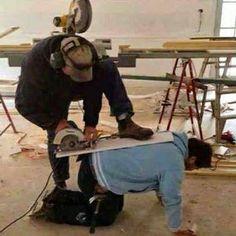 Recuerda que si utilizas herramientas de corteapoya bien los pies ...seguridad ante todo !!! #felizsabado